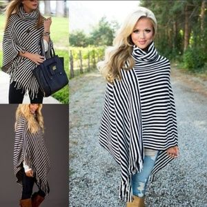Stryped Poncho one size Nwt Boutique